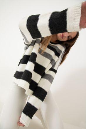 sweater-retro-Negro-0800158102-01.jpg